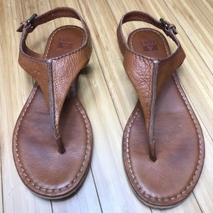 Frye Carson T-Strap Leather Sandals Size 8M